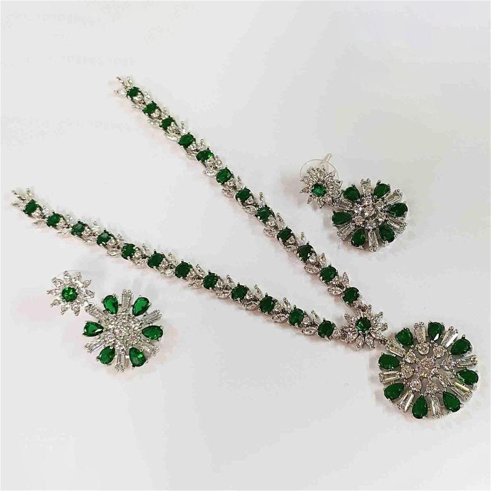 Diamond Cut Necklace Set Green