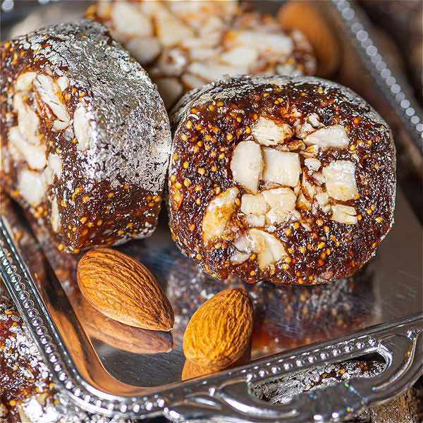 Anjeer Almond Rolls